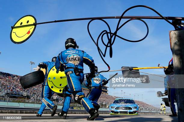 Kevin Harvick, driver of the Busch Light Ford, pits during the Monster Energy NASCAR Cup Series Ford EcoBoost 400 at Homestead Speedway on November...