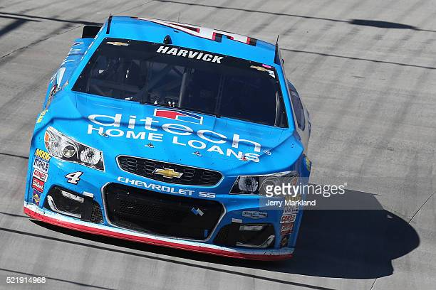 Kevin Harvick driver of the ditech Chevrolet races during the NASCAR Sprint Cup Series Food City 500 at Bristol Motor Speedway on April 17 2016 in...
