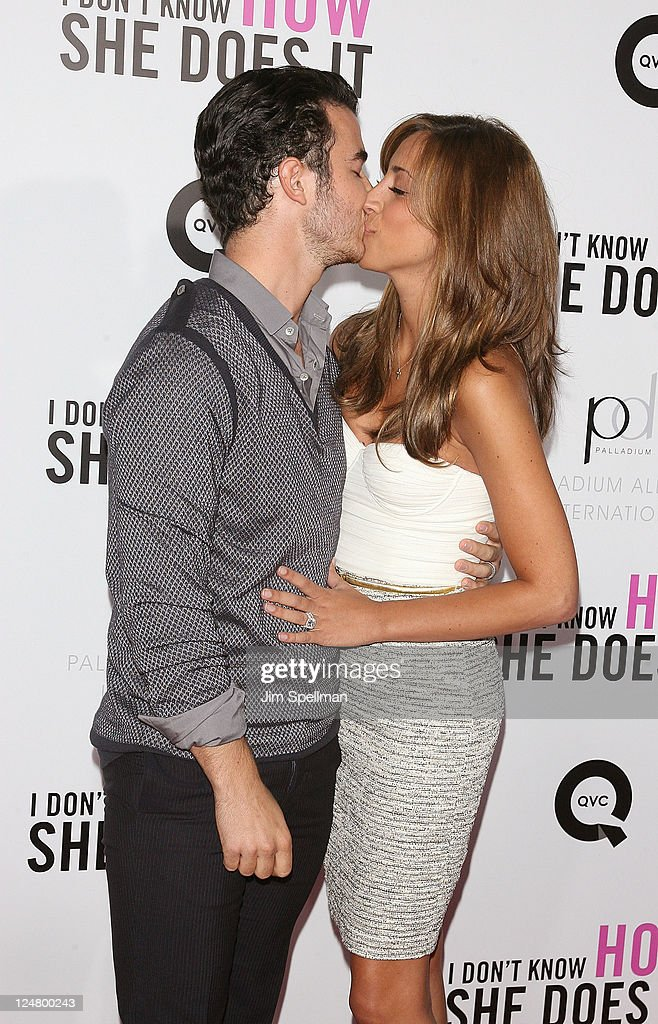 "The Weinstein Company & The Cinema Society With QVC & Palladium Host The Premiere Of ""I Don't Know How She Does It"" - Arrivals : News Photo"