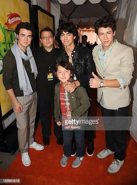 Kevin Jonas Joe Jonas Frankie Jonas and Nick Jonas of Jonas Brothers arrive at Nickelodeon's 2009 Kids' Choice Awards at UCLA's Pauley Pavilion on...