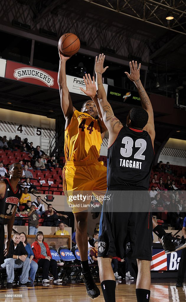 Kevin Jones #44 of the Canton Charge shoots the ball against Shawn Taggart #32 of the Springfield Armor at the Canton Memorial Civic Center on November 24, 2012 in Canton, Ohio.