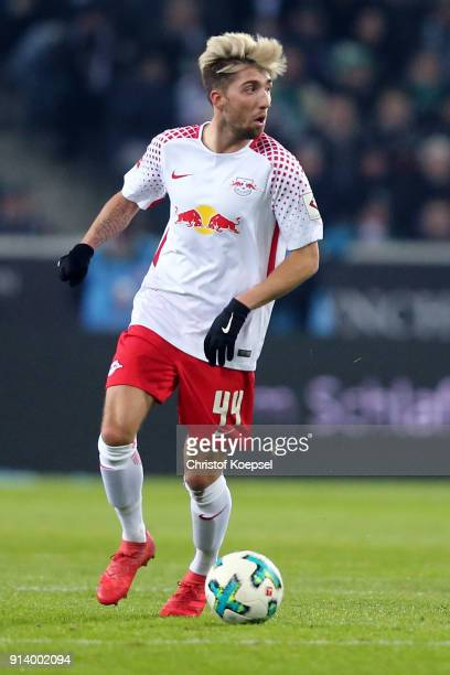 Kevin Kampl of Leipzig runs with the ball during the Bundesliga match between Borussia Moenchengladbach and RB Leipzig at BorussiaPark on February 3...