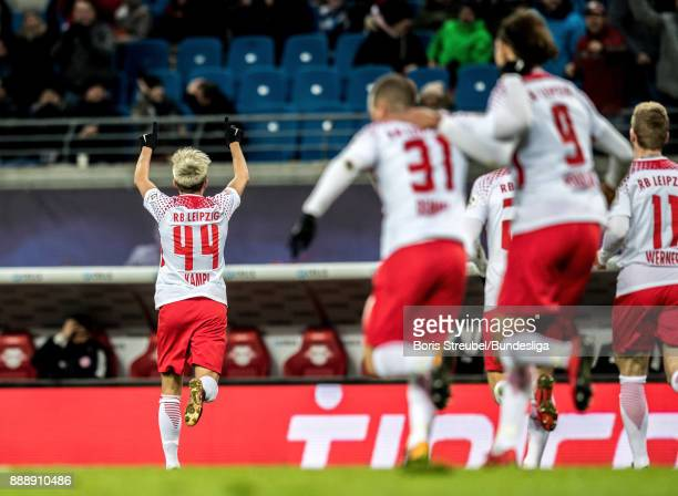 Kevin Kampl of RB Leipzig celebrates with team mates after scoring his team's first goal during the Bundesliga match between RB Leipzig and 1 FSV...