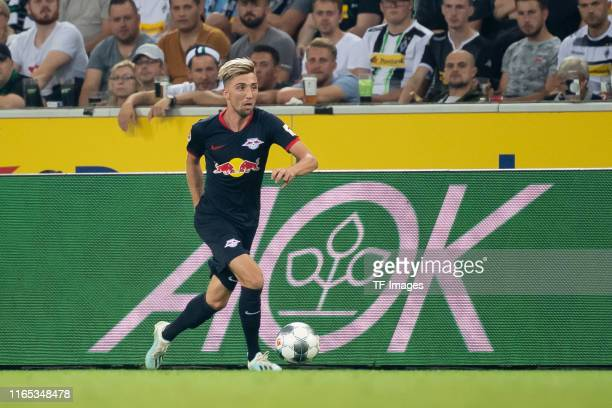 Kevin Kampl of RB Leipzig controls the ball during the Bundesliga match between Borussia Moenchengladbach and RB Leipzig at BorussiaPark on August 30...