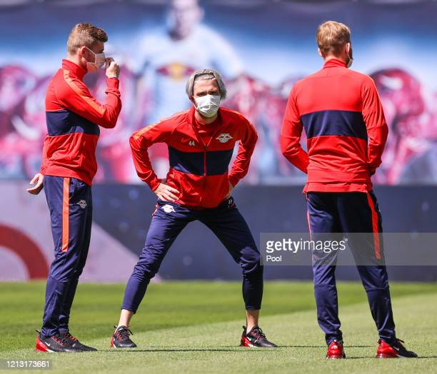 Kevin Kampl of RB Leipzig warms up prior to the Bundesliga match between RB Leipzig and SportClub Freiburg at Red Bull Arena on May 16 2020 in...