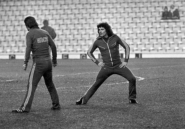 Kevin Keegan of Hamburg SV warming up prior to the UEFA European Super Cup 2nd Leg match between Liverpool and Hamburg SV held on December 6, 1977 at...