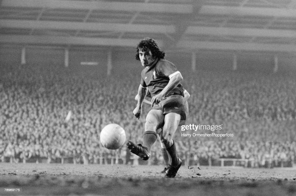 Football. 28th April 1976. Anfield, Liverpool. UEFA Cup Final 1st Leg. Liverpool 3 v FC Bruges 2. Liverpool+s Kevin Keegan shoots from the penalty spot as he scores in the First Leg of the Final. : News Photo