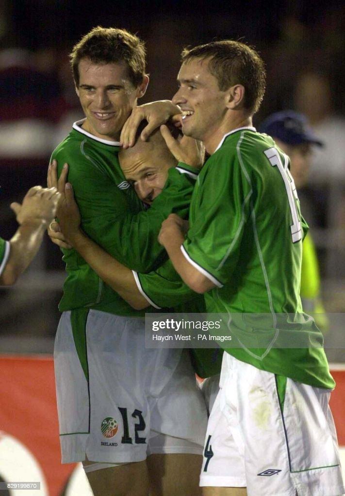 Kevin Kilbane and Colin Healy celebrate Graham Barrett's goal for ...