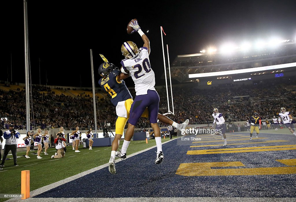Kevin King #20 of the Washington Huskies breaks up a pass intended for Demetris Robertson #8 of the California Golden Bears at California Memorial Stadium on November 5, 2016 in Berkeley, California.