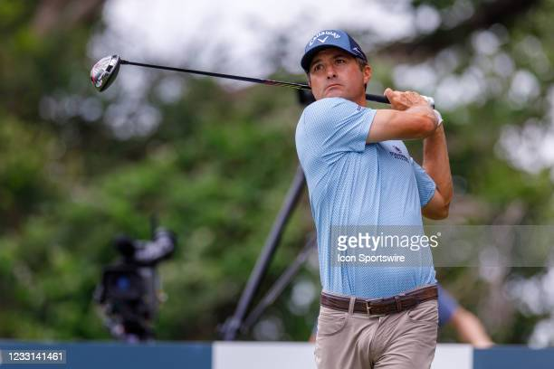 Kevin Kisner hits his tee shot on during the first round of the Charles Schwab Challenge on May 27, 2021 at Colonial Country Club in Fort Worth, TX