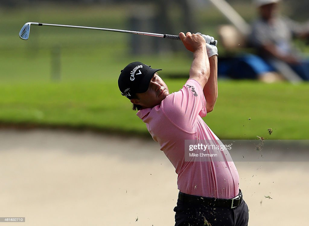 Kevin Kisner plays a shot during the first round of the Sony Open In Hawaii at Waialae Country Club on January 15, 2015 in Honolulu, Hawaii.