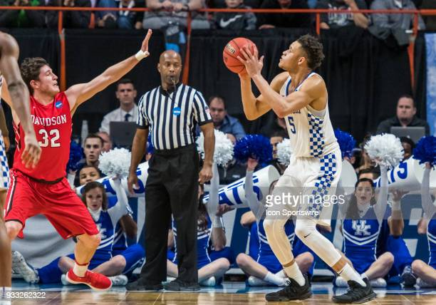 Kevin Knox of the Kentucky Wildcats shoots from the perimeter during the NCAA Division I Men's Championship First Round game between the Kentucky...