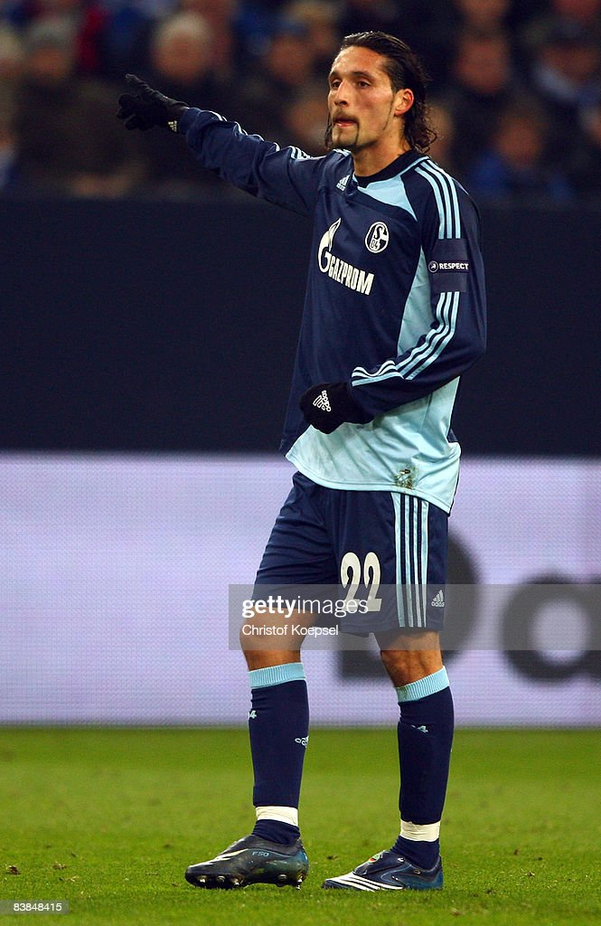Kevin Kuranyi of Schalke shows during the UEFA Cup Group A match between FC Schalke 04 and Manchester City at the Veltins Arena on November 27, 2008 in Gelsenkirchen, Germany.