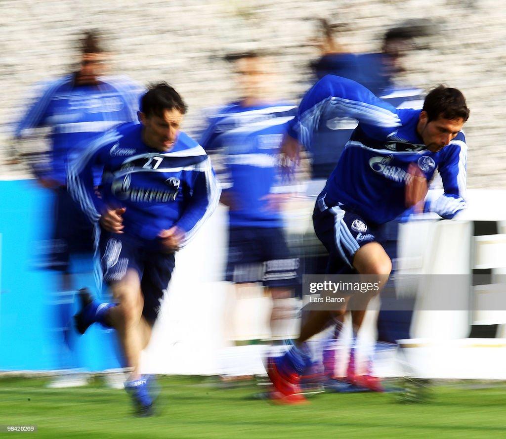 Schalke 04 Training Session