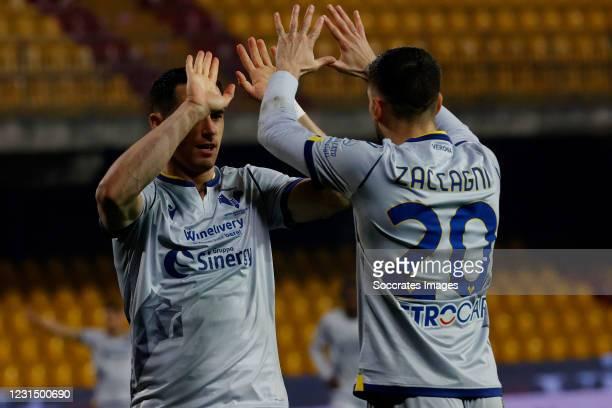 Kevin Lasagna of Hellas Verona celebrates 0-3 with Mattia Zaccagni of Hellas Verona during the Italian Serie A match between Benevento Calcio v...