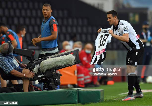 Kevin Lasagna of Udinese Calcio celebrates after scoring the 11 goal during the Serie A match between Udinese Calcio and Atalanta BC at Stadio Friuli...