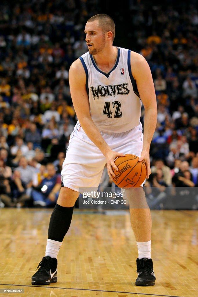 Basketball - NBA - Pre-Season Tour - Minnesota Timberwolves v LA Lakers - O2 Arena : News Photo