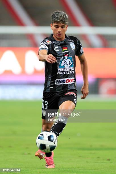 Kevin Álvarez of Pachuca drives the ball during the 9th round match between Chivas and Pachuca as part of the Torneo Grita Mexico A21 Liga MX at...
