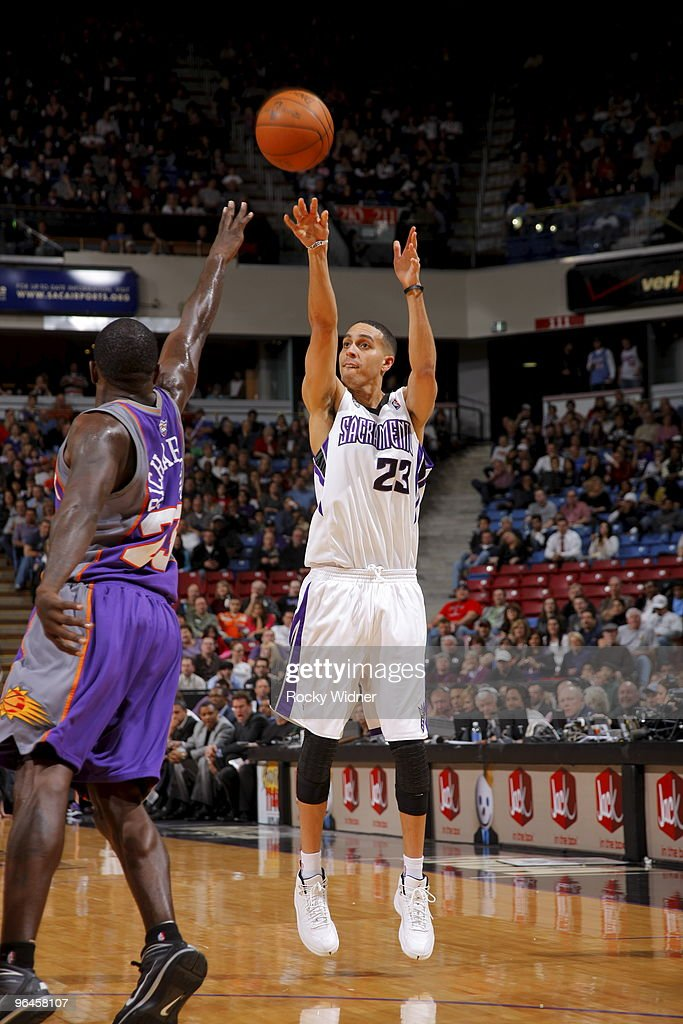 Phoenix Suns v Sacramento Kings : News Photo