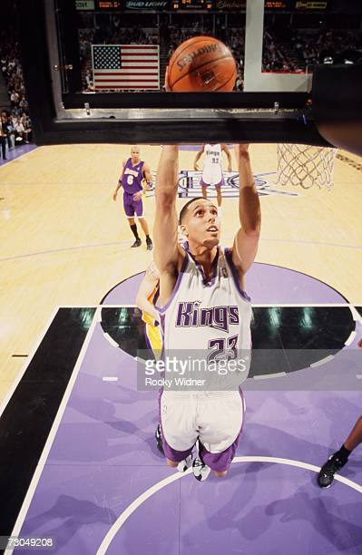 Kevin Martin of the Sacramento Kings takes the ball to the basket during a game against the Los Angeles Lakers at Arco Arena on January 4 2007 in...