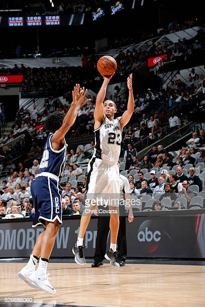 Kevin Martin of the San Antonio Spurs shoots the ball during the game against the Oklahoma City Thunder in Game One of the Western Conference...
