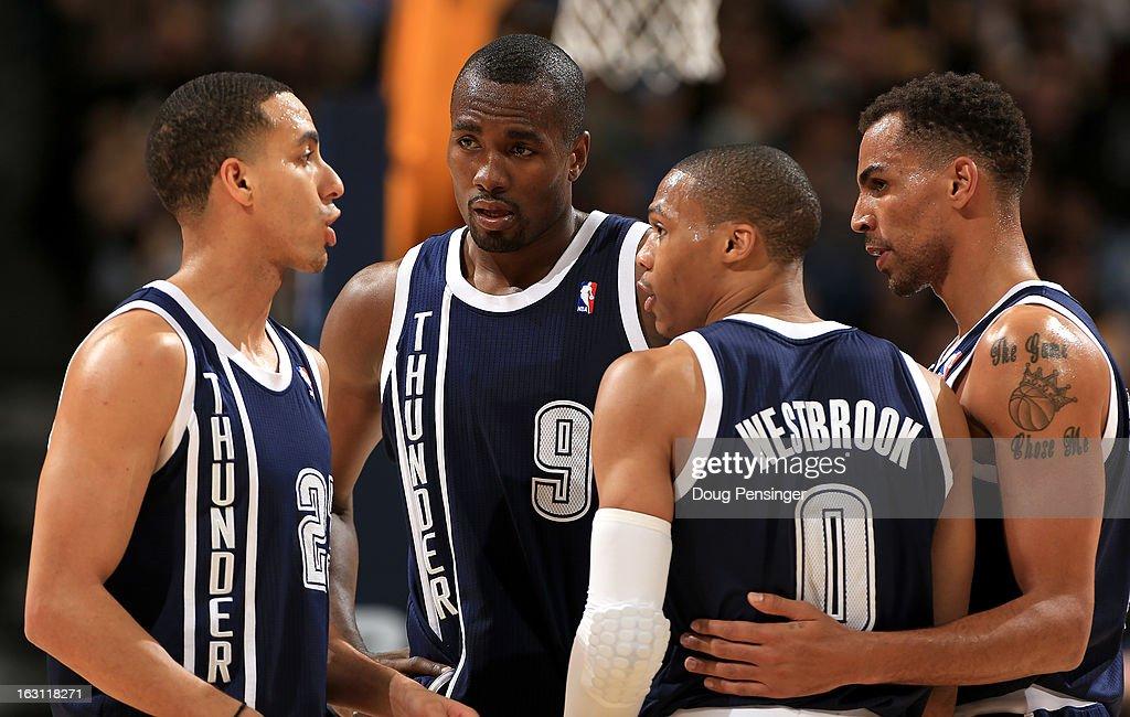 Oklahoma City Thunder v Denver Nuggets : Fotografía de noticias