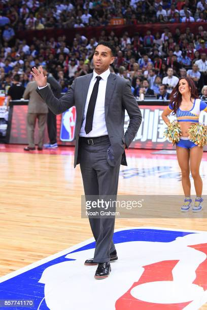 Kevin Martin waves to the crowd before the game between the Golden State Warriors and the Minnesota Timberwolves as part of 2017 NBA Global Games...