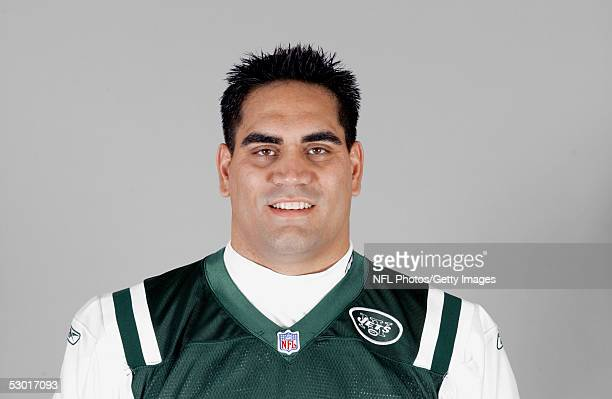 Kevin Mawae of the New York Jets poses for his 2005 NFL headshot at photo day in East Rutherford New Jersey