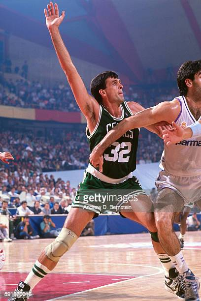 Kevin McHale of the Boston Celtics calls for the ball against Yugoslavia during the 1988 McDonald's Championship at Palacio de los Deportes on...
