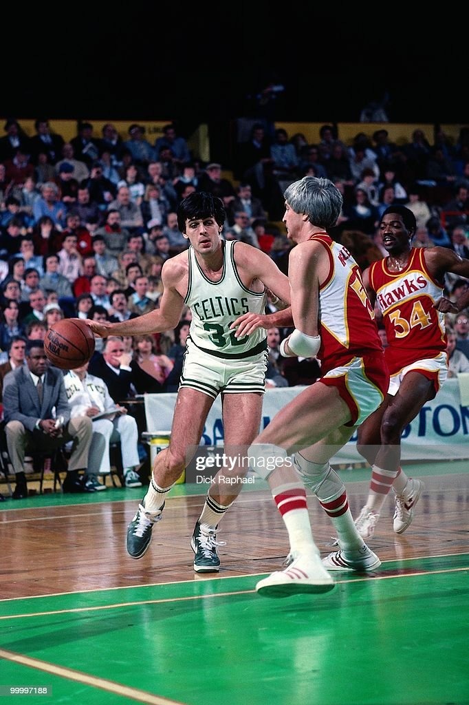 Kevin McHale #32 of the Boston Celtics makes a move to the basket against the Atlanta Hawks during a game played in 1986 at the Boston Garden in Boston, Massachusetts.