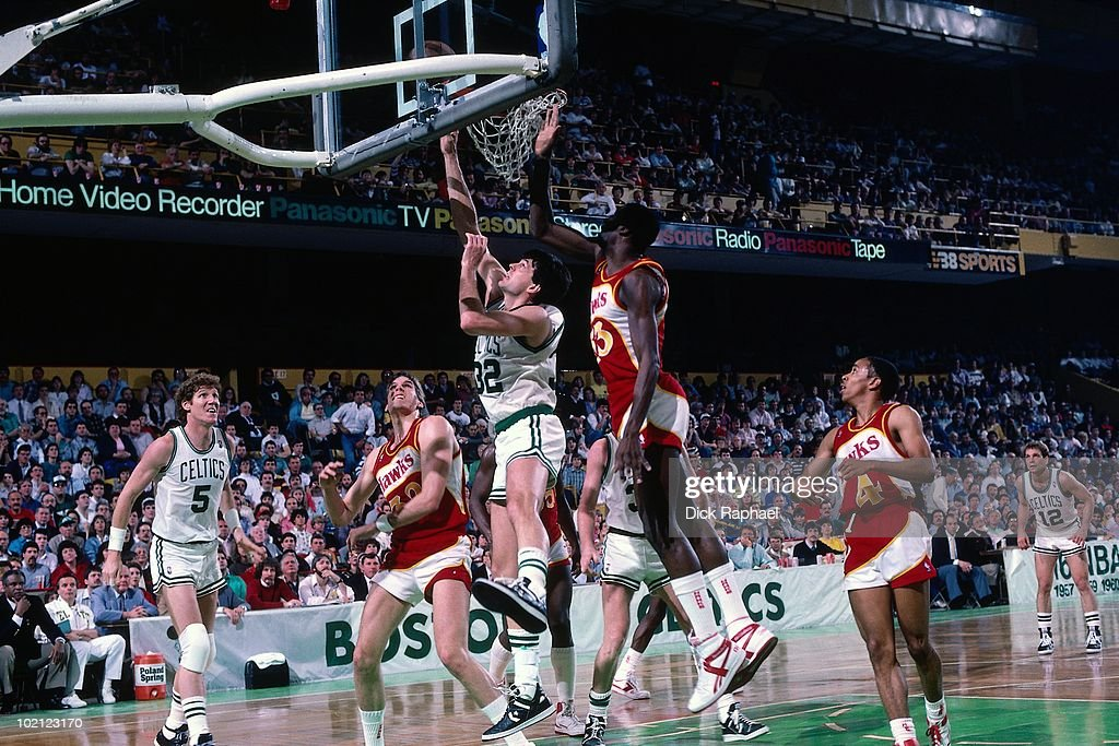 Kevin McHale #32 of the Boston Celtics shoots a layup against the Atlanta Hawks during a game played in 1987 at the Boston Garden in Boston, Massachusetts.