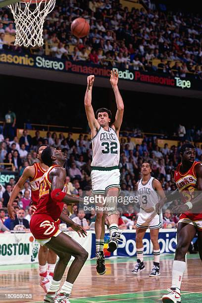Kevin McHale of the Boston Cetlics shoots against the Atlanta Hawks during a game circa 1988 at the Boston Garden in Boston Massachusetts NOTE TO...