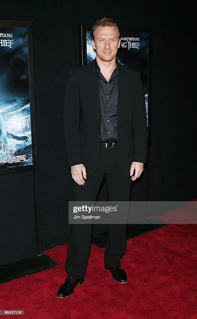 """""""Percy Jackson & The Olympians: The Lightning Thief"""" Premiere - Outside : News Photo"""