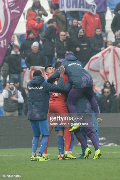 Kevin Mirallas of ACF Fiorentina celebrates after scoring his team's third goal during the Serie A match between US Sassuolo and ACF Fiorentina at...