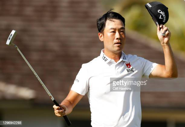 Kevin Na of the United States celebrates after winning on the 18th hole during the final round of the Sony Open in Hawaii at the Waialae Country Club...