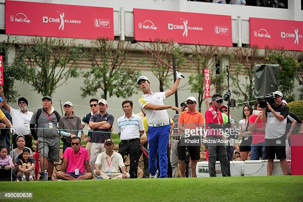 Kevin Na of USA plays a shot during round three of the CIMB Classic at Kuala Lumpur Golf & Country Club on October 31, 2015 in Kuala Lumpur, Malaysia.