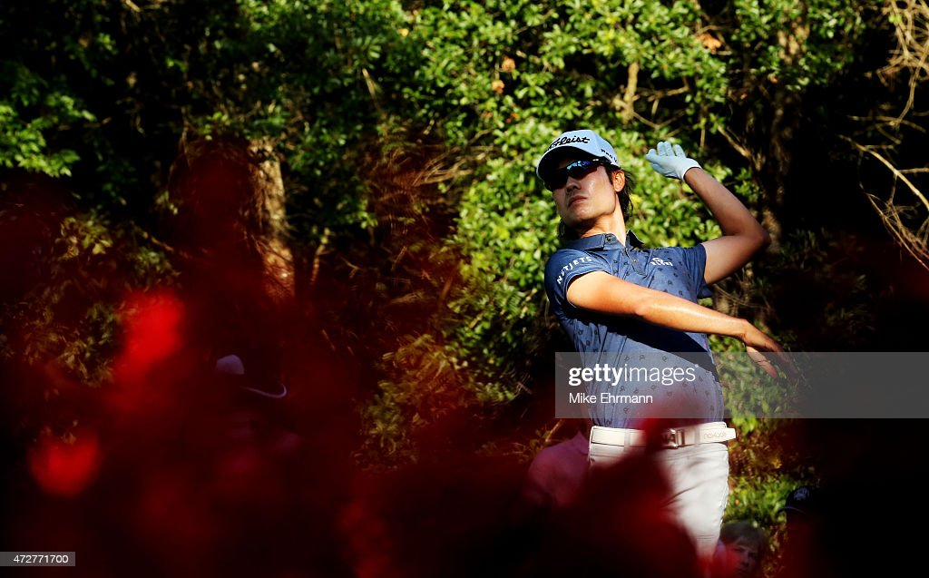 Kevin Na plays his shot from the 15th tee during round three of THE PLAYERS Championship at the TPC Sawgrass Stadium course on May 9, 2015 in Ponte Vedra Beach, Florida.