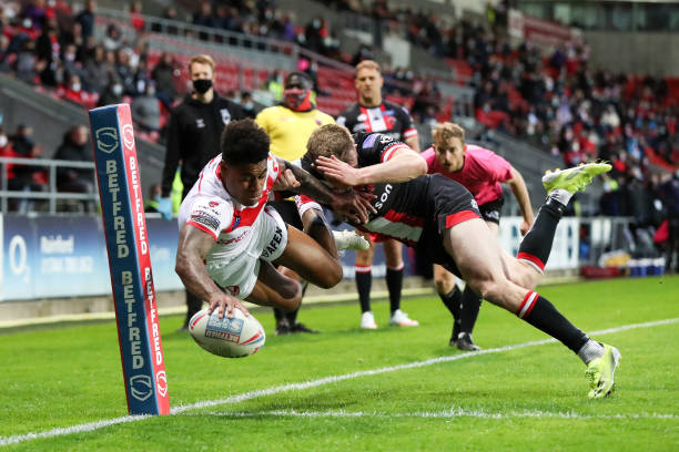 GBR: St Helens v Salford Red Devils - Betfred Super League