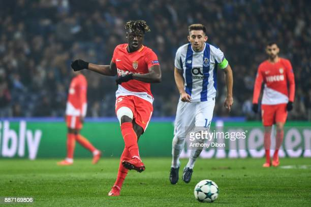 Kevin N'doram of Monaco and Hector Herrera of Porto during the Uefa Champions League match between Fc Porto and As Monaco at Estadio do Dragao on...