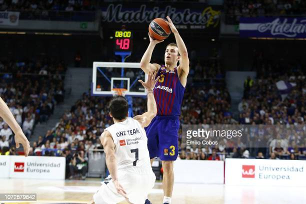 Kevin Pangos #3 of FC Barcelona Lassa in action during the 2018/2019 Turkish Airlines EuroLeague Regular Season Round 12 game between Real Madrid and...