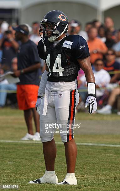 f5d781f3130800 Kevin Payne of the Chicago Bears works out during a training camp practice  on August 4