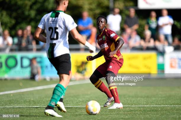 Kevin Perez Kraaijeveld of Scheveningen Robin Polley of ADO Den Haag during the match between Scheveningen v ADO Den Haag at the Sportpark Houtrust...