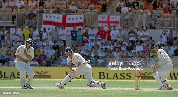 Kevin Pietersen is bowled by Shane Warne, Australia v England, 2nd Test, Adelaide, Dec 06.
