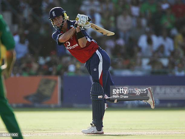 Kevin Pietersen of England hits out during the South Africa v England 3rd One Day International match on February 4 2005 at St Georges Park, Port...