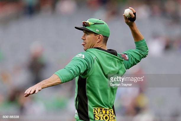 Kevin Pietersen of the Melbourne Stars warms up before the Big Bash League Semi Final match between the Melbourne Stars and the Perth Scorchers at...
