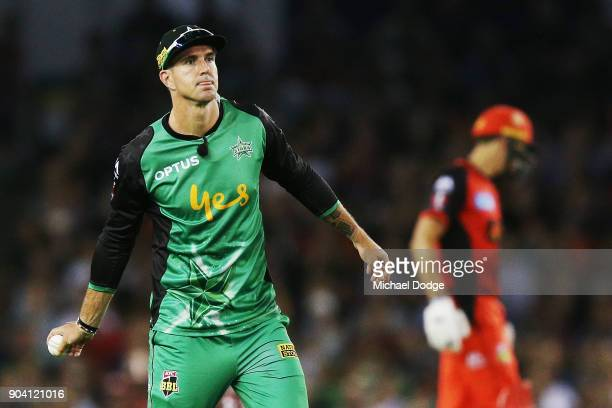Kevin Pietersen of the Stars reacts after he drops a catch to dismiss Matt Short of the Renegades during the Big Bash League match between the...