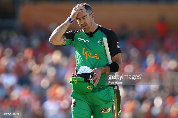 Kevin Pietersen of the Stars walks back to the rooms after being dismissed by Mitchell Johnson of the Scorchers during the Big Bash League match...