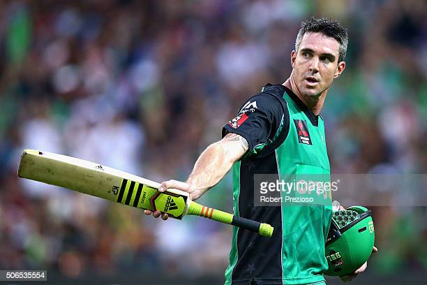 Kevin Pietersen of the Stars walks off after being dismissed by Chris Green of the Thunder during the Big Bash League final match between Melbourne...