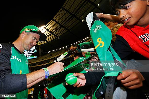 Kevin Pietersen signs autographs after the Big Bash League match between the Melbourne Sixers and the Adelaide Sixers at Melbourne Cricket Ground on...