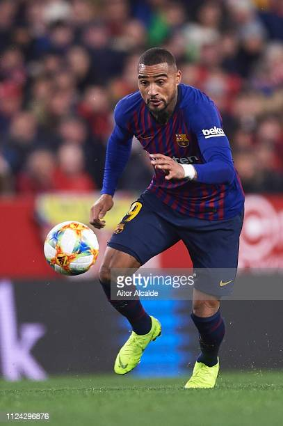 Kevin Prince Boateng of FC Barcelona runs with the ball during the Copa del Quarter Final match between Sevilla FC and FC Barcelona at Estadio Ramon...